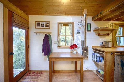 Cozy Tiny House On Wheels Home Design Garden Fencl Tiny House