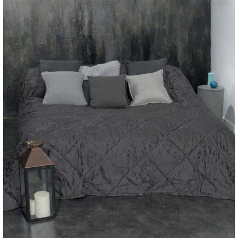 dessus de lit leopard dessus de lit quot arabesque quot 240x260cm gris fonc 233