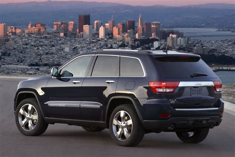 new jeep jeep releases new photos and video of 2011 grand cherokee
