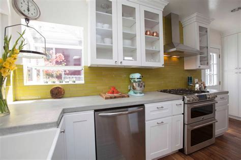 small kitchen reno ideas 8 ways to make a small kitchen sizzle diy