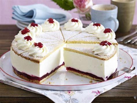 sahne kuchen besten kuchen rezept k 228 se sahne torte mit preiselbeeren
