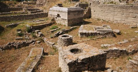 a place of placelessness hekeng s heritage archaeological studies leiden books archaeological site of troy unesco world heritage centre