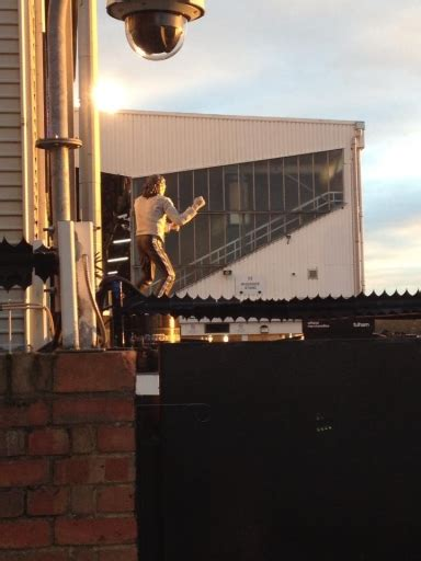 michael jackson statue craven cottage craven cottage home of fulham fc the92 net