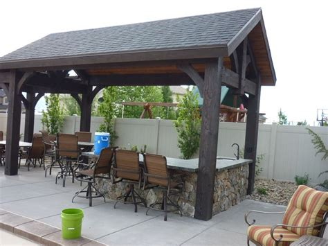 covered outdoor kitchen outdoor kitchen and covered pergola house idea pinterest