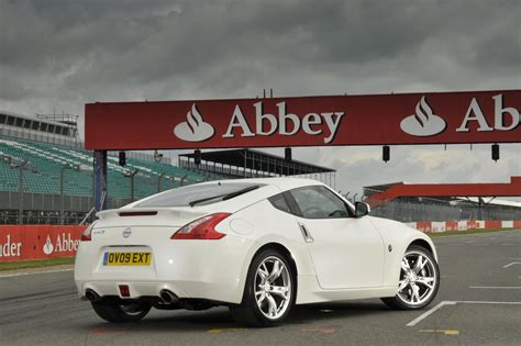 nissan 370z lease nissan 370z coupe leasing deals leaseplan