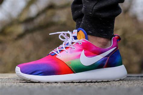 nike roshe run colors nike roshe runs in tie dye colors sneakernews