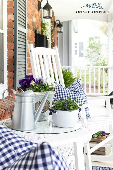 summer porch decor summer front porch decor gingham daisies on sutton place