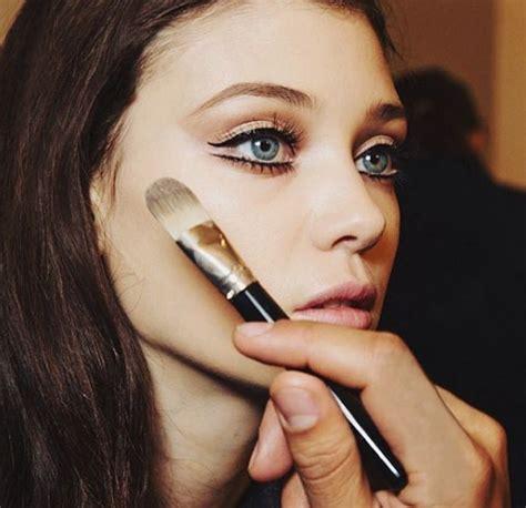 best makeup tutorial instagram accounts celebrity makeup artists to follow on instagram