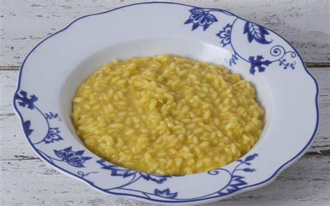ricette di cucina italiana giallo zafferano ricetta risotto alla milanese la cucina italiana