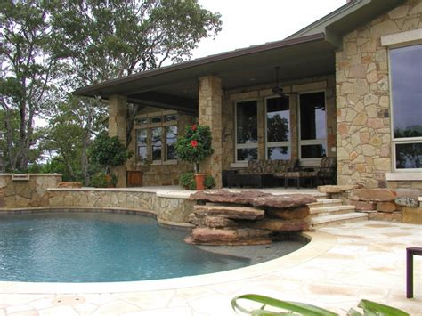 hill country residence lake