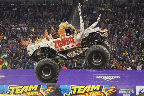 zombie monster jam truck monster jam hamilton 2016 firstontario centre april 23
