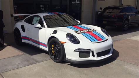 porsche racing colors porsxhe 911 gt3 rs martini racing colours walk