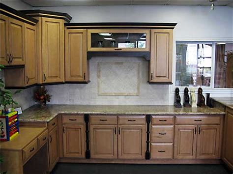 toffee kitchen cabinets toffee glazed maple kitchen cabinets and bathroom vanities