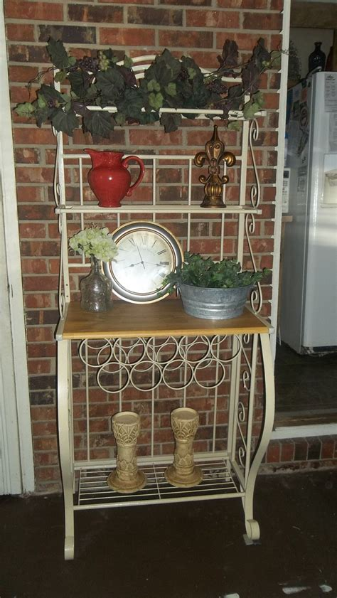 Patio Bakers Rack by Bakers Rack Patio Decorating Ideas