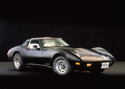 what year did corvettee out a photo history of the chevy corvette business insider