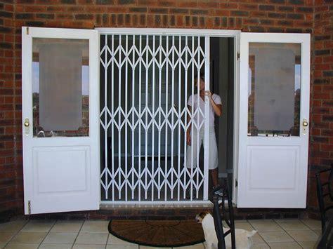 concertina interior doors concertina folding doors interior bifold doors timber