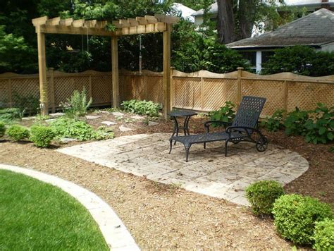 simple backyard ideas for small yards comely simple landscaping ideas for front of small house