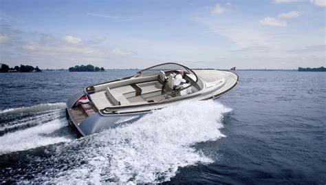 nieuwe speedboot willem alexander koopt speedboot van 800 000 euro eunmask