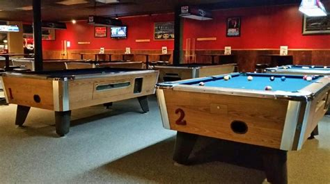 restaurants with pool tables belles sports bar grill restaurant bar billiards