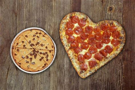 pizza hut valentines pizza hut s shaped pizza is now available for 2016