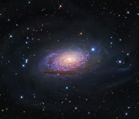 sunflower galaxy messier 63 the sunflower galaxy science mission directorate