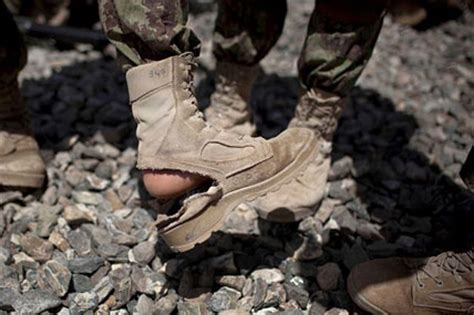 Senter 511 Army Waterproof Senter Anti Air from m16s to boots afghan troops feel slighted