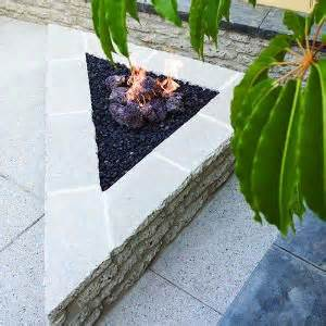 Triangle Garden Ideas 17 Best Images About Outdoor Firepit Ideas On Pinterest Backyards Bale Of Hay And Outdoor Lounge