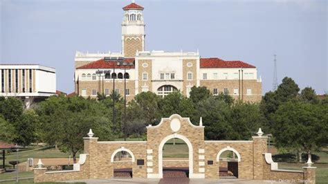 Mba Colleges In Houston by Bloomberg Ranks Rice Uh Among Best Business Schools To