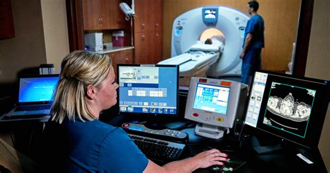 whats  difference  radiology  radiation
