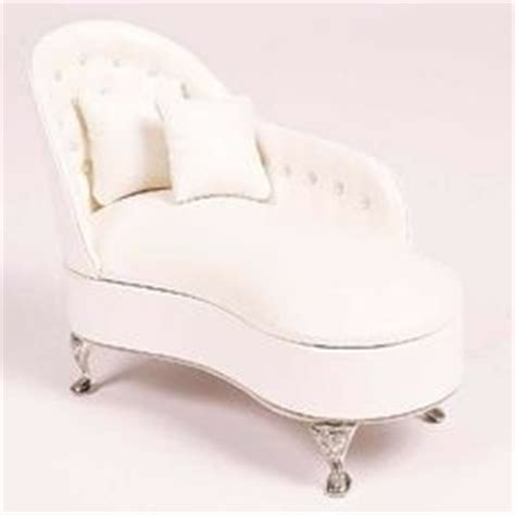 white fainting couch fainting couch on pinterest fainting couch chaise