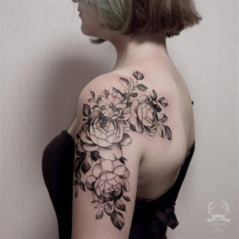 shoulder flower tattoo designs flower tattoos world s best flower designs meaning