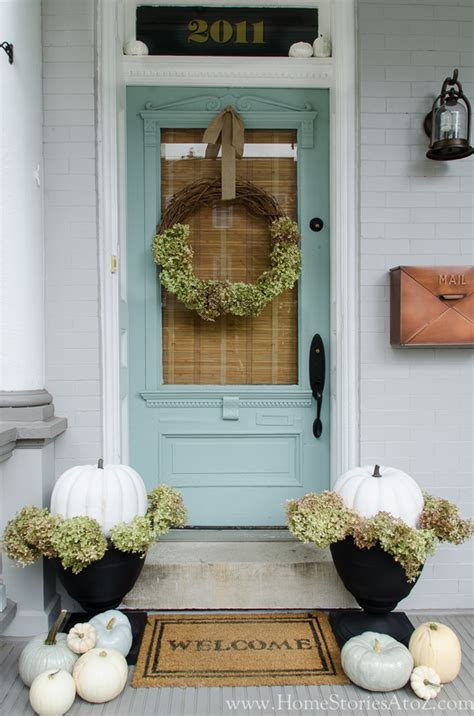 porch decor 85 pretty autumn porch d 233 cor ideas digsdigs