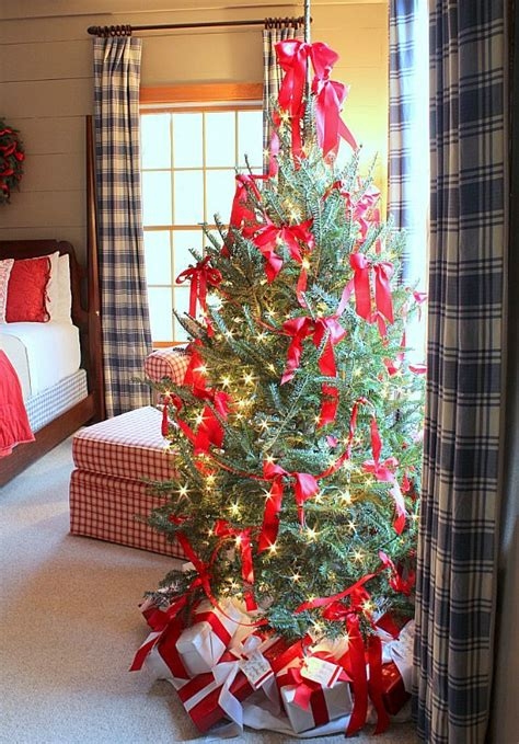 bedroom christmas tree bedroom christmas tree talk of the house hooked on houses