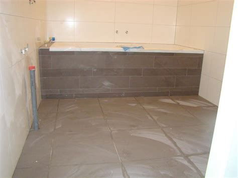 wc ombouw tegelen betegelen badkamer en twee toiletten werkspot