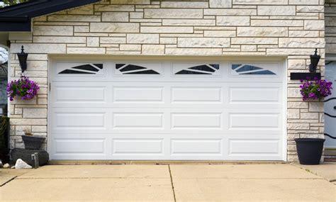 puertas para cocheras precios mira modelos de puertas de madera para cocheras rusuticas
