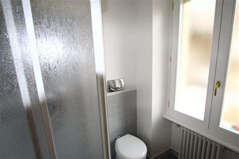 servizio bagno image bagno di servizio foto 2