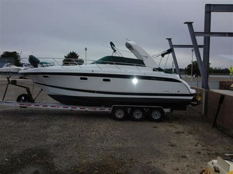 chris craft  express cruiser powerboat  sale  washington