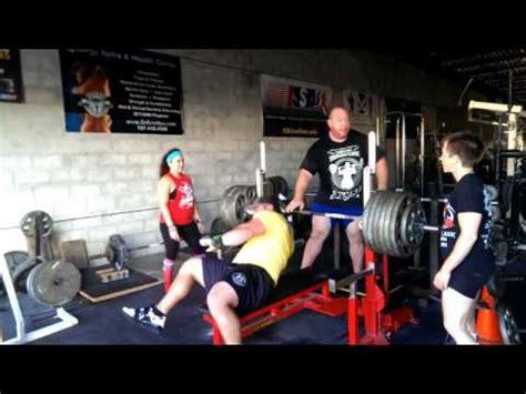 josh bryant bench press jeremy hoornstra bench press training at gorilla bench