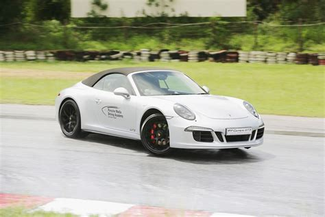 porsche driving academy porsche asia pacific gears up for new programme porsche