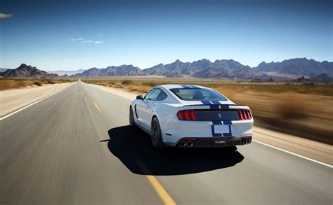 inside the 2015 mustang shelby gt350 s 5 2l v8 engine