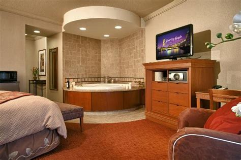 hotels with in room in michigan king room with whirlpool picture of soaring eagle casino resort mount pleasant tripadvisor
