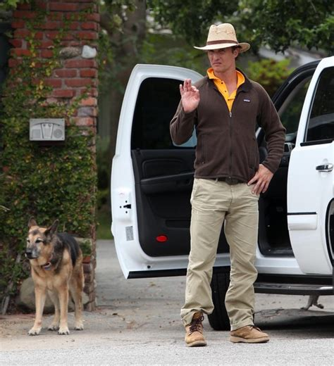 matthew mcconaughey house matthew mcconaughey at a friends house in malibu zimbio