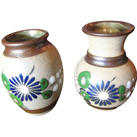 Mexican Pottery Vases by Pair Of Made Mexican Pottery Small Vases From