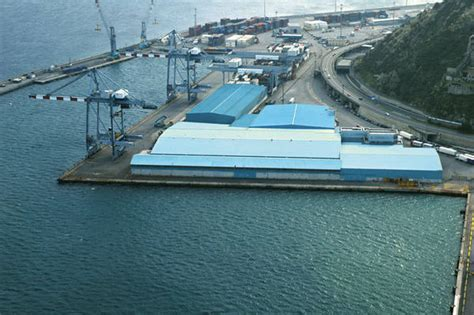 porto di vado ligure porti a vado il pi 249 grande impianto per costruire
