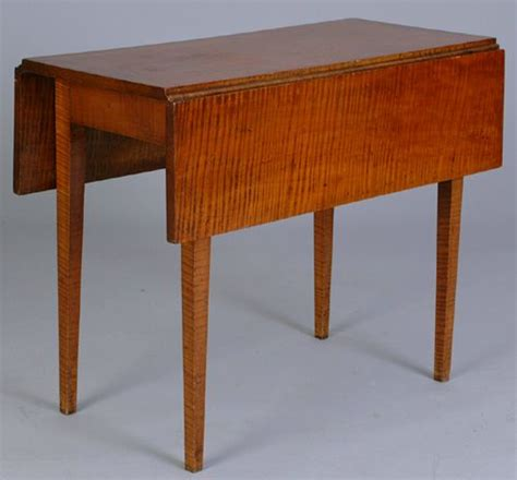 Maple Drop Leaf Table Choice 18th C Hepplewhite Bold Tiger Maple Drop Leaf Table Original Surface C 1825 For Sale
