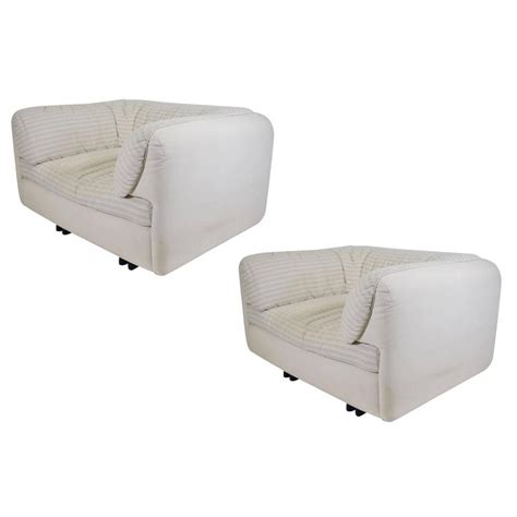 Comfortable Lounge Chairs by Pair Of Comfortable Lounge Chairs By Arflex For Sale