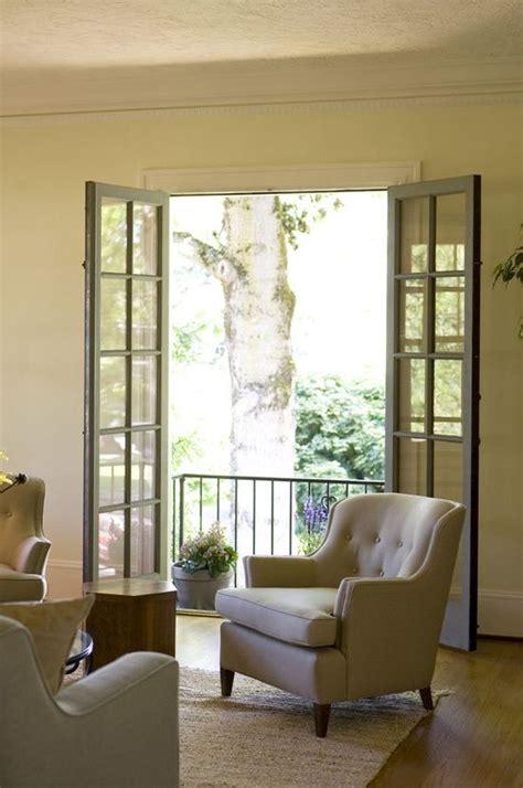 hauptschlafzimmer doors sitting room w doors to juliet balcony balkon
