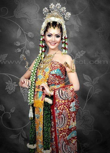 Rias Pengantin Adat Jawa pengantin adat jawa tata rias busana pengantin tradisional