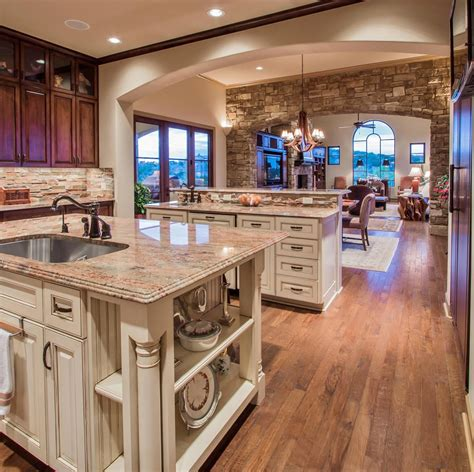 realtors  home sellers open doors showcase luxury homes  spanish oaks