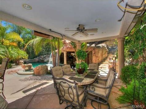 vicki gunvalson house house tour tuesday vicki gunvalson is selling her oc home popdust